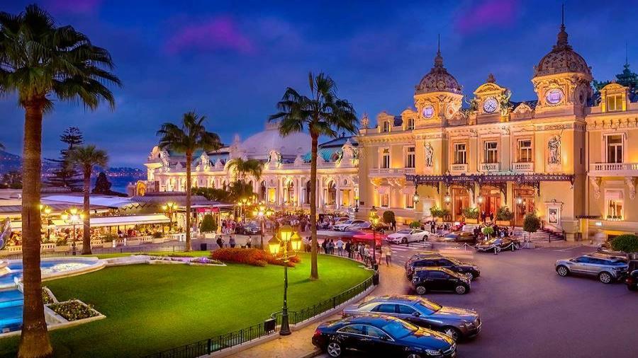 Centrum Podróży Koliber, obóz Hiszpania Lloret de Mar, Paryż, Parki Rozrywki, Disneyland, Gardaland, Monaco