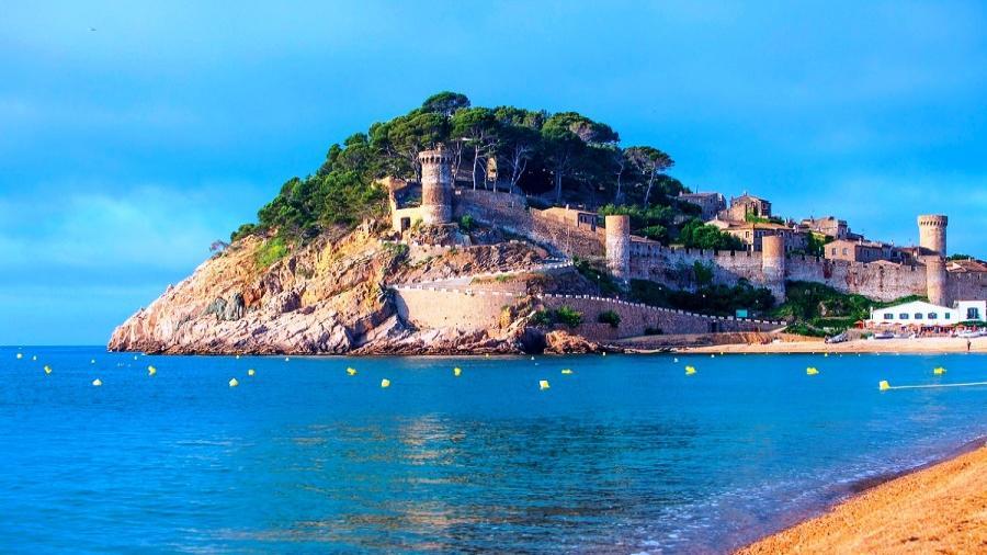 Centrum Podróży Koliber, obóz Hiszpania Lloret de Mar, Paryż, Parki Rozrywki Disneyland, Gardaland Tossa de Mar