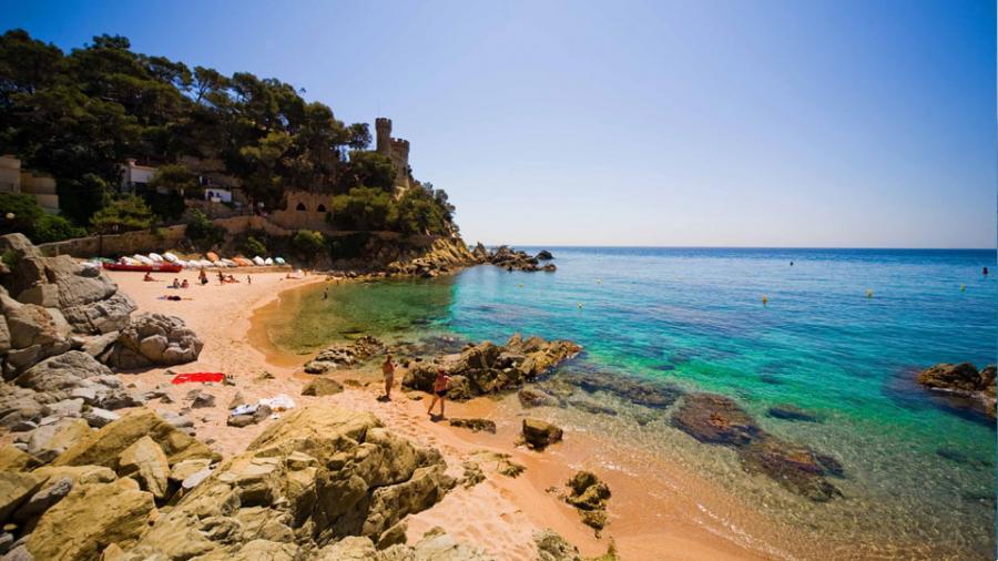 Centrum Podróży Koliber obóz Hiszpania Lloret de Mar, Paryż, Parki Rozrywki Disneyland, Gardaland, plaża Lloret de Mar
