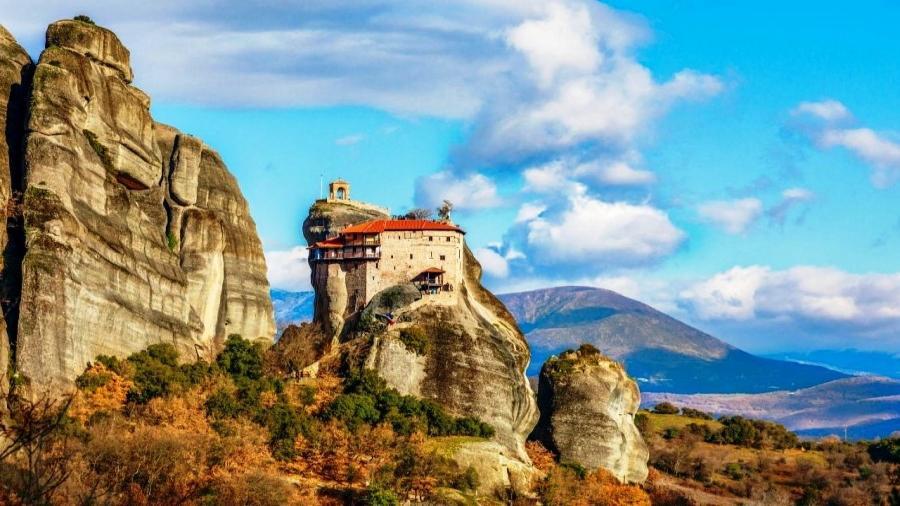 klasztory Meteora wczasy Grecja Tolo Centum Podróży Koliber