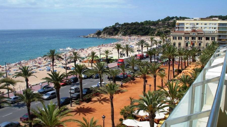 wczasy Hiszpania Włochy Wenecja Centrum Podróży Koliber główna plaża Lloret de Mar