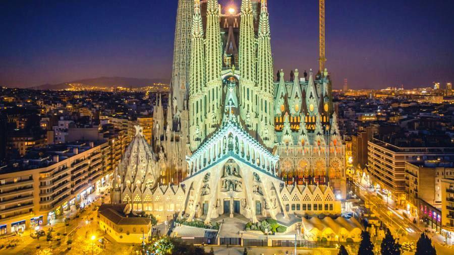 wczasy Hiszpania Włochy Wenecja Centrum Podróży Koliber katedra Sagrada Familia