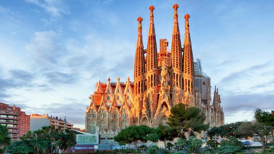 Centrum Podróży Koliber obóz HIszpania Lloret de Mar Barcelona katedra Sagrada Familia